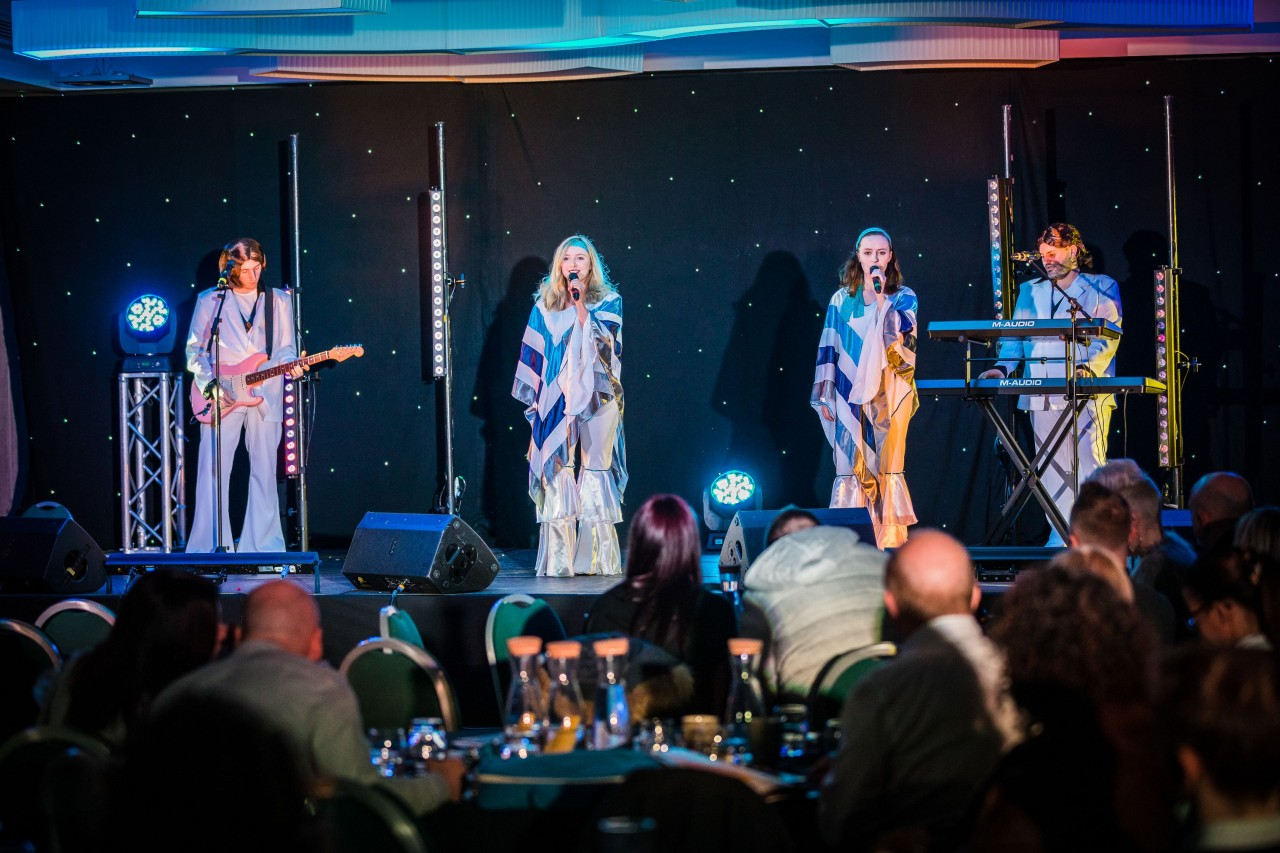 ABBA tribute Kiss The Teacher